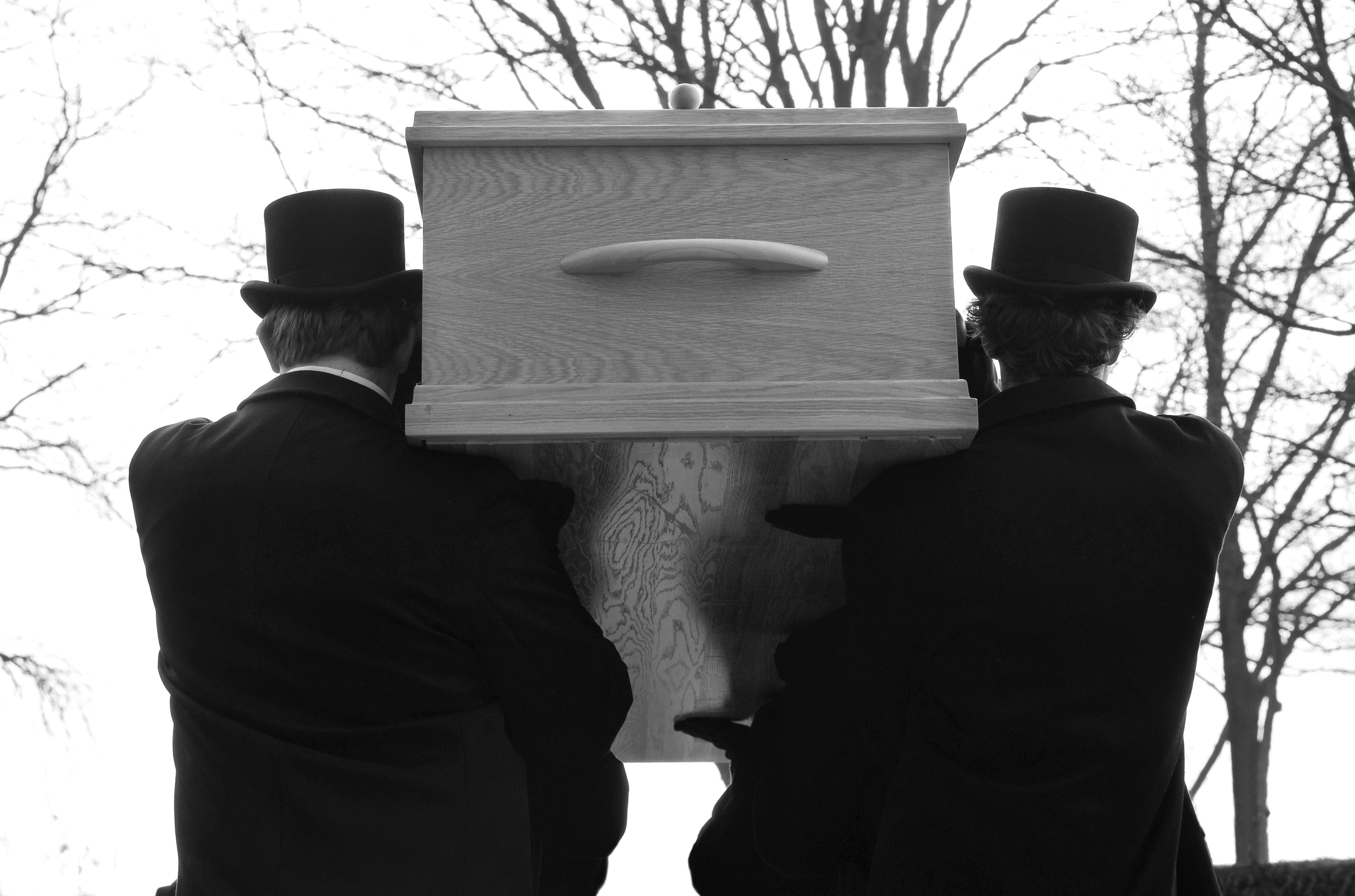 The Difference Between a Funeral Home and Mortuary