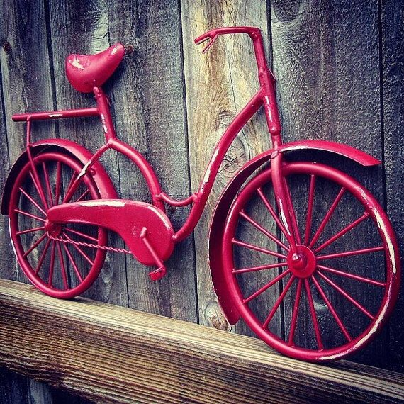 Bicycle Wall Art , Wall Decor , Beach Decor , Coastal Decor , Beach Bike , Bicycle Decor , Bike Art , Metal Wall Hanging , Housewarming Gift by SouthTexasHomeDecor on Etsy https://www.etsy.com/listing/384866790/bicycle-wall-art-wall-decor-beach-decor