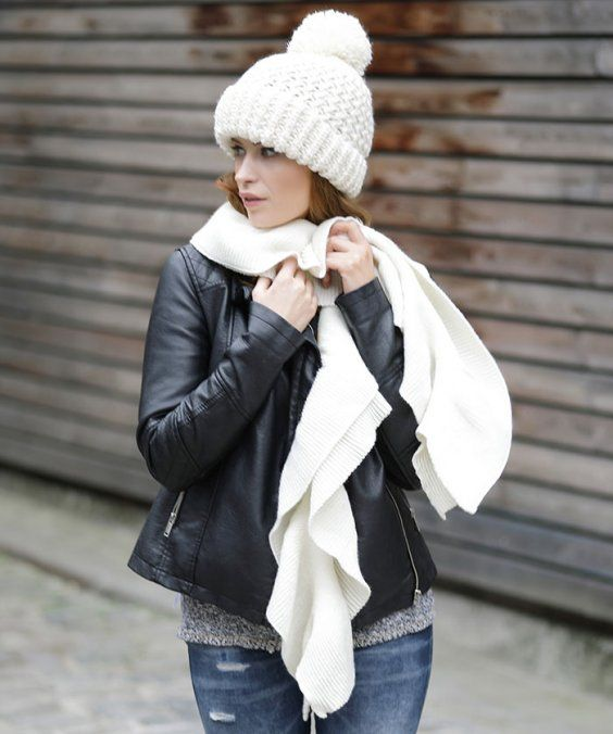 Street style chic Winter fashion. The white pom pom hat and scarf  combination brings some color to this outfit! 8286fe583a7