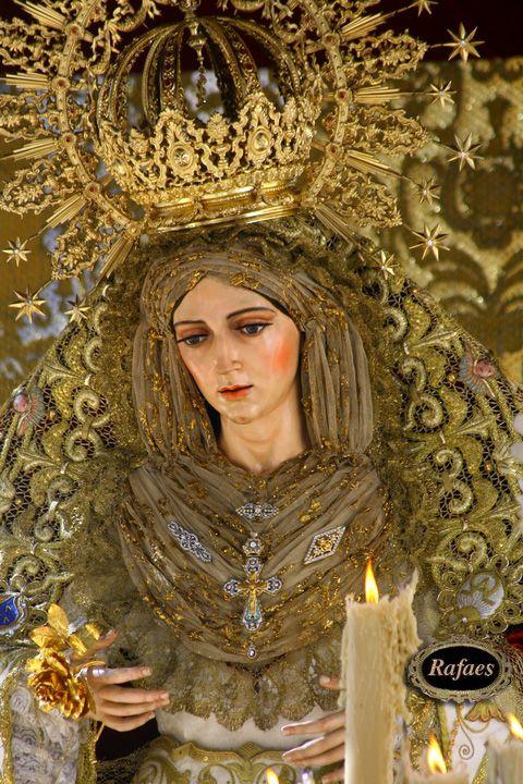 Fotos De La Virgen De La Aurora Hermandad Del Resucitado Sevilla Rafaes Semana Santa Sevilla Virgen Dolorosa Santísima Virgen María