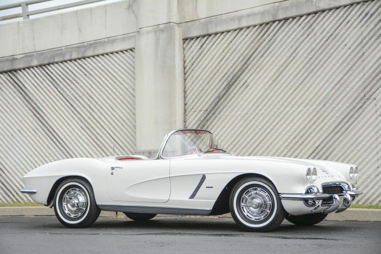 Twelve Awesome Cars With Whitewall Tires Hemmings Motor News Corvette Chevy Corvette Vintage Corvette