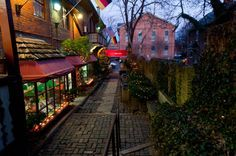 12) Stroll the streets of German Village (also located in Columbus) and be sure to explore the village's 32-room Book Loft and charming Schiller Park.