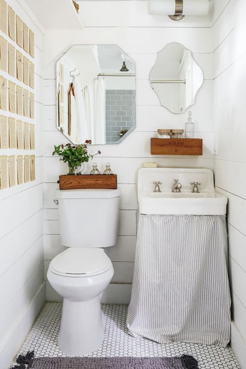 33 Tiny Tricks To Make Your Bathroom Look Less Cluttered And More Grown Up