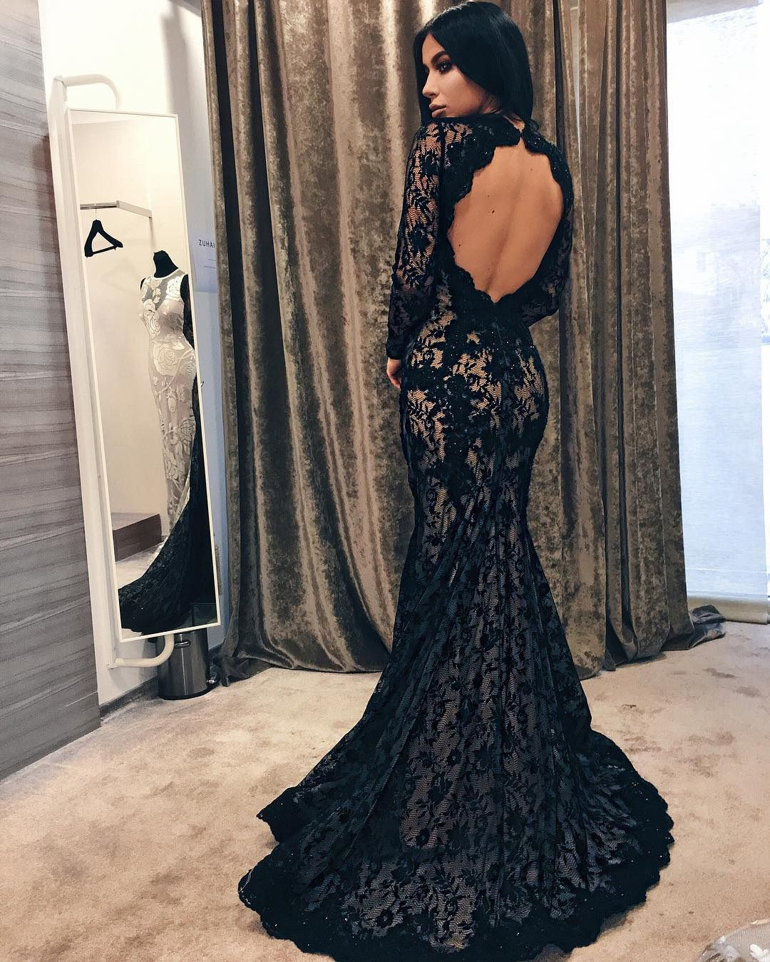 Elegant mermaid open back sweep train evening dressblack lace prom