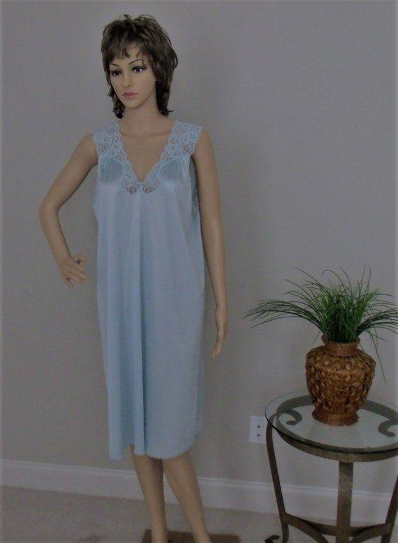 Vintage Vanity Fair Nightgown Size Medium Lt Blue Nylon Knee Length