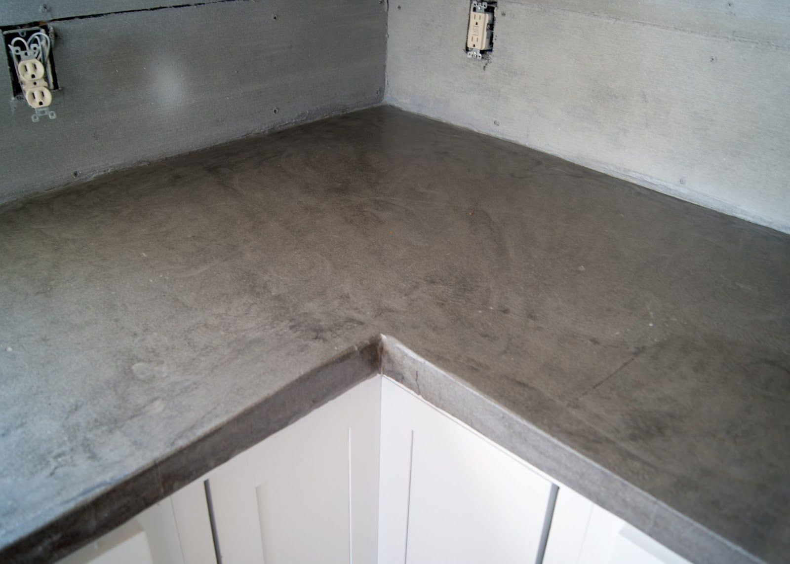 Diy Concrete Counters Poured Over Laminate In 2020 Diy Concrete Countertops Diy Concrete