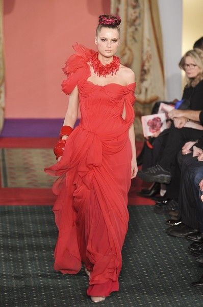 Christian Lacroix at Couture Spring 2009 - Runway Photos