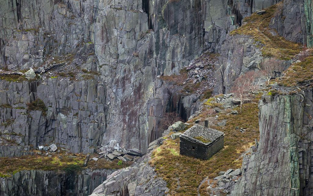 Another from Dinorwic quarry https://www.picturedashboard.com