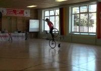What this Girl does with her Cycle will Leave you Spellbound…