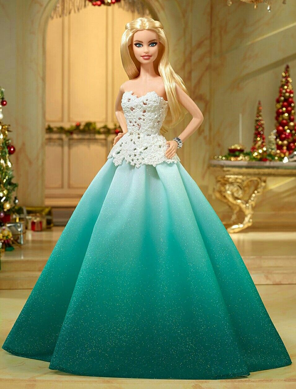 9f208cbb779d4 Barbie 2016.... | Barbie Beautiful Gowns | Christmas barbie, Dolls ...