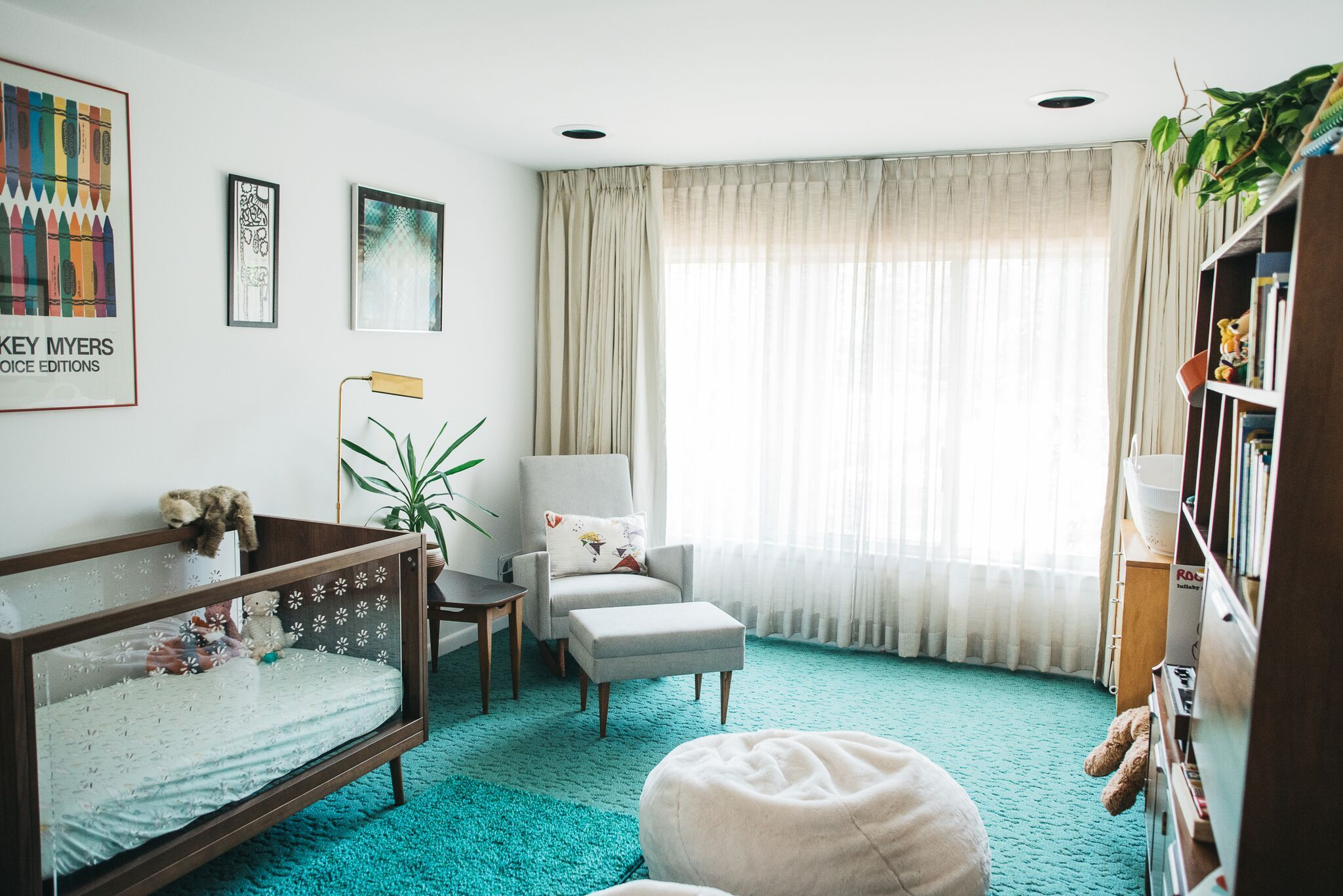 This Mid Century Modern Time Capsule House Rocks