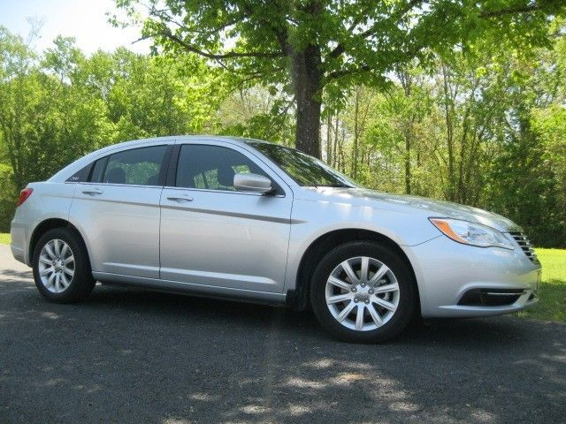 I Like This 2011 Chrysler 200 Touring What Do You Think Https