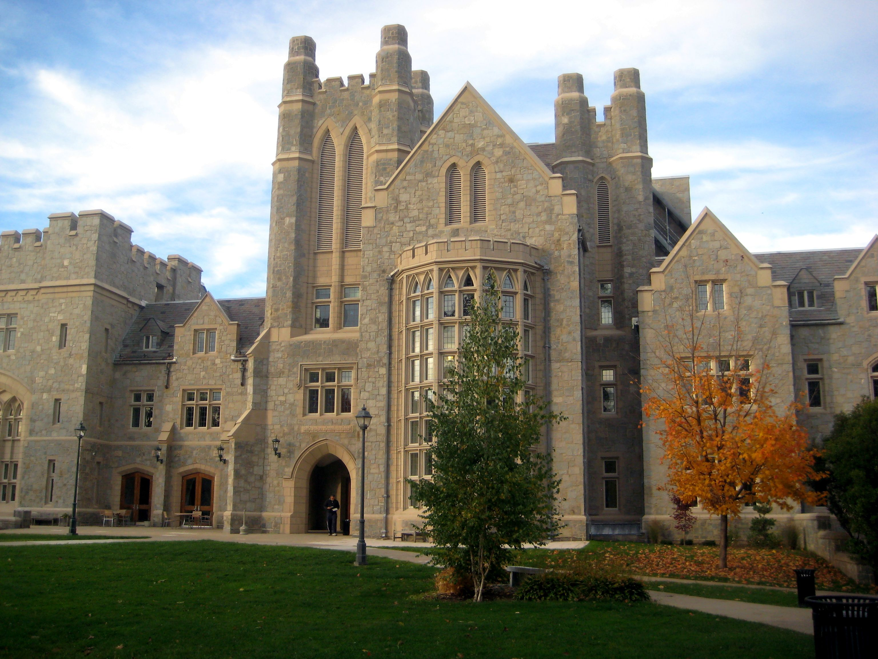 University Of Connecticut Law School University Of Connecticut American Universities Colleges And Universities