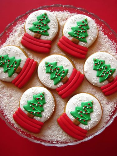 Here Are 5 Of The Most Beautiful Christmas Cookies You've Ever Seen |  Cookies recipes christmas, Christmas sugar cookies, Christmas treats
