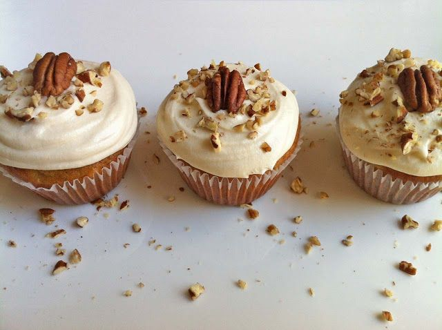Hummingbird Cupcakes With Brown Sugar Cream Cheese Frosting.