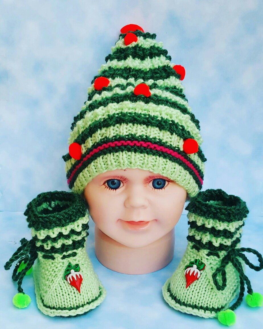 Christmas knitted baby booties