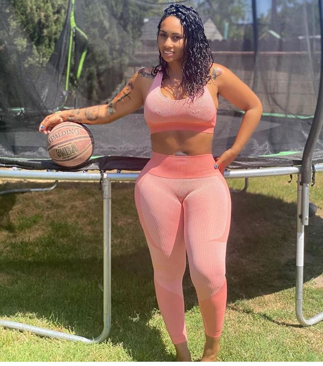 412 Likes 16 Comments Eyecandy Influencer 250k Jawdropping Candy On Instagram Good Morning From This Side In 2020 Plus Size Fashion Fashion Chicks