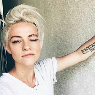elfe lesbische szene