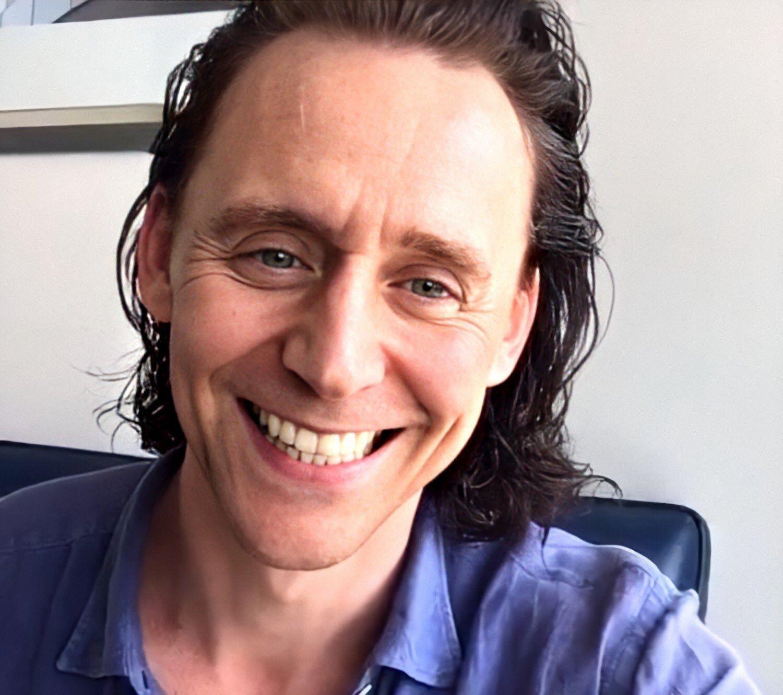Tom Hiddleston on Instagram Live / 4 June 2020 в 2020 г