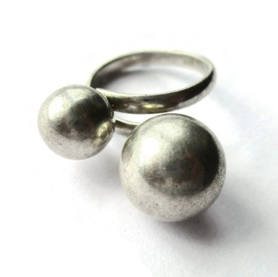 SOLD. Vintage sterling silver bypass double ball ring, modernist asymmetrical spheres, 925 adjustable bobbly band, minimalist statement ring. https://www.etsy.com/listing/276894340/vintage-sterling-silver-bypass-double