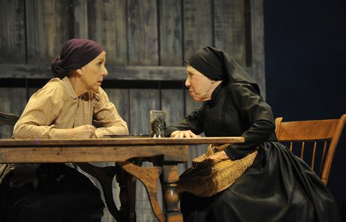 Fiddler On The Roof Review From Anatevka With Love Splash Magazines Los Angeles Fiddler On The Roof Fiddler Chicago Entertainment