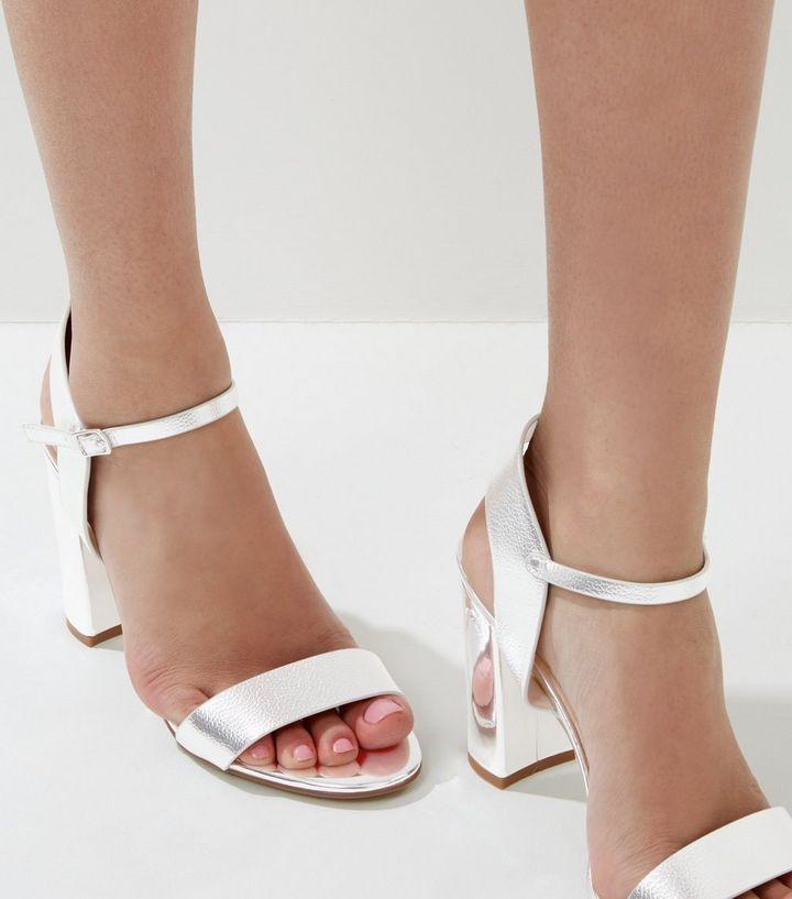 Sandales argentées à talons et à brides   New Look