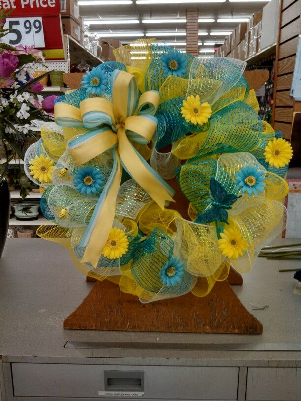 430754501c426f Blue yellow and white deco mesh with butterfly s and bumblebees.Annapolis  Md.  8811