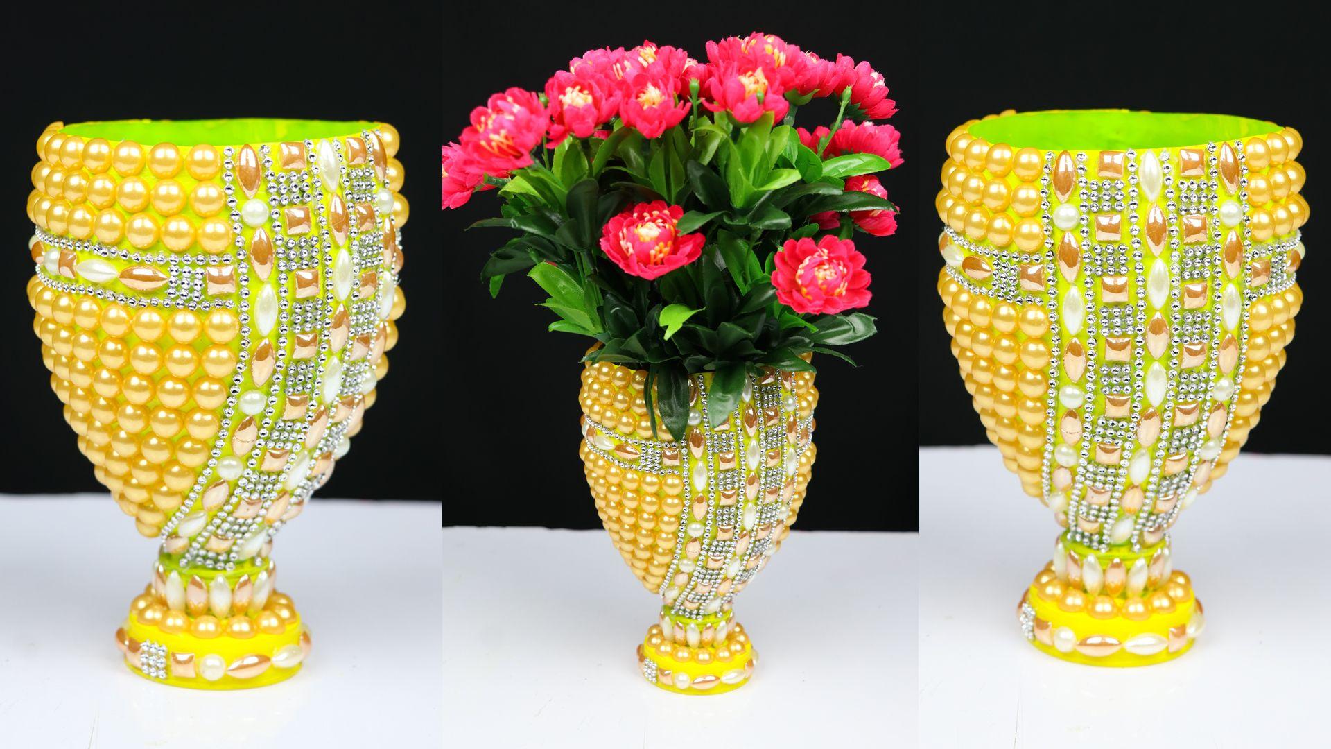 Plastic Bottle Flower Vase Plastic Bottle Flowers Flower Vases Flower Vase Diy