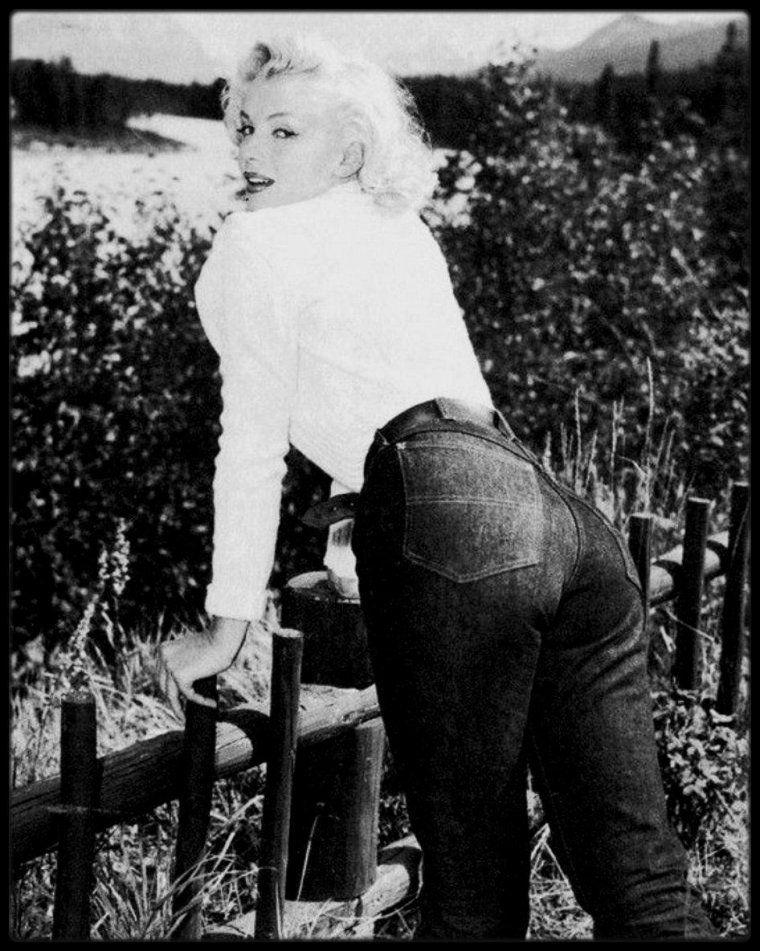 25 Juillet 1953 / Marilyn arrive à Jasper (Canada) pour