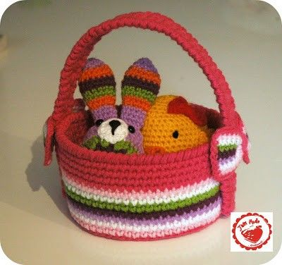 Jam Made Crochet Easter Basket Pattern and Tutorial / Finished