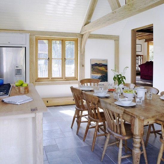 Open Plan Country Kitchen: Colourful Country Kitchen