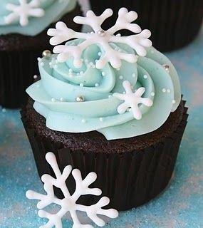 Cupcakes De Noel Glacage Royal Decoration En Pate A Sucre Ou