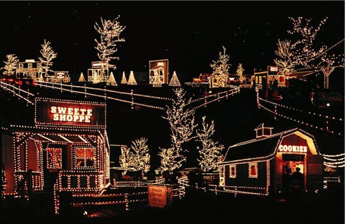 Overlys Christmas Lights.2 Overly S Country Christmas 116 Blue Ribbon Lane