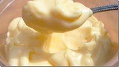 Você gosta de maionese?O problema da maionese produzida pela indústria são os aditivos.Deixa a gente explicar: maionese é para ser feita basicamente apenas com ovos, sal e óleo.