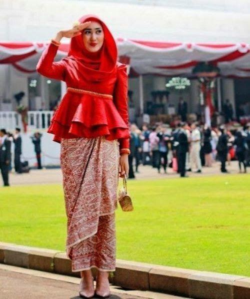 Sketsa Desain Baju Batik Muslim Wanita Terbaru: Baju Pesta Muslim Batik Modern Formal