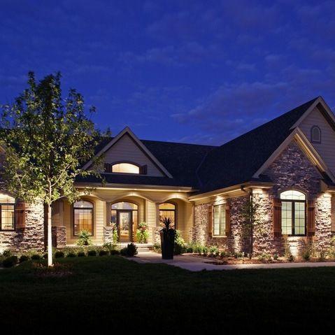 Love how landscape lighting looks! Outdoor ideas Pinterest