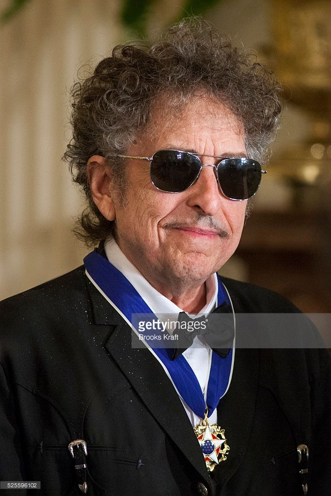 Musician And Rock Legend Bob Dylan After Receiving A 2012 Presidential Medal Of Freedom From Us President Barack Obama At A Rock Legenden Bob Dylan Legenden