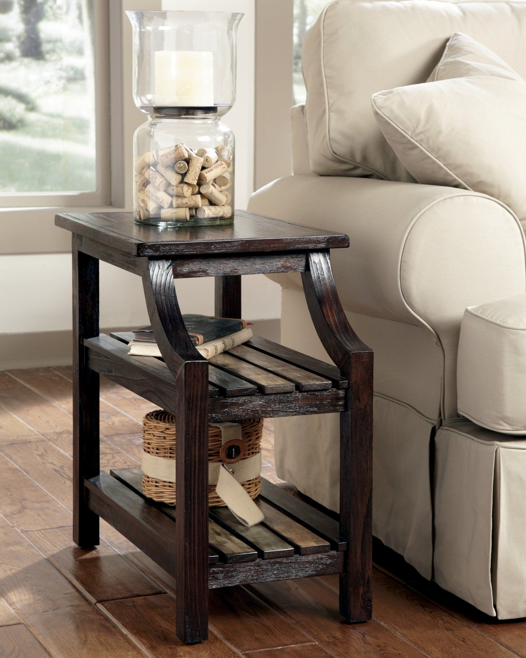 Ashley Furniture Mestler Chairside Rustic End Table GORGEOUS