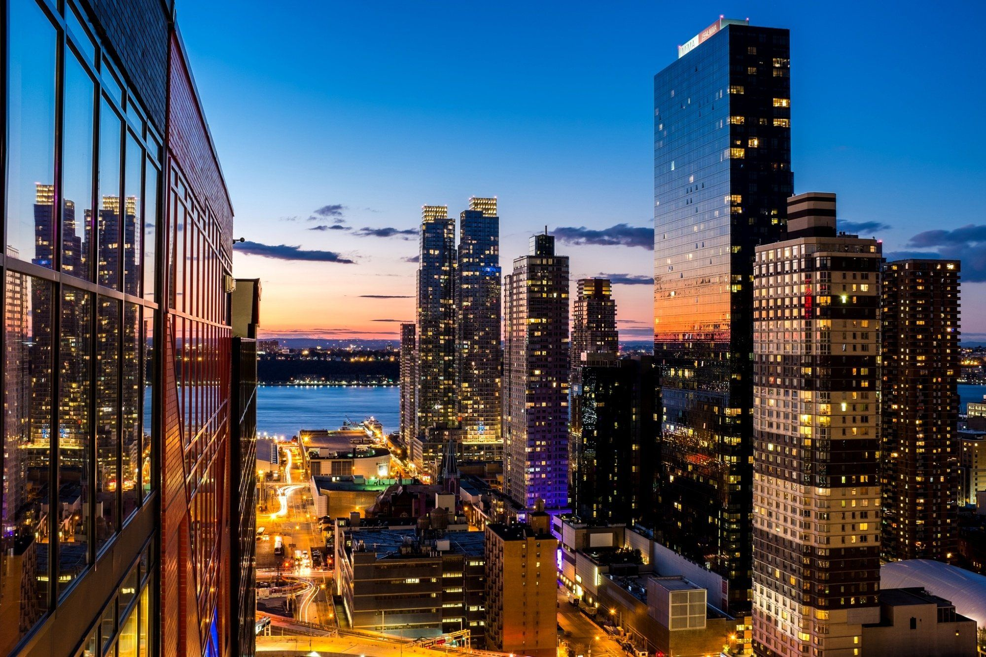 Picture Of Town New York Wallpaper New York City Background City Wallpaper