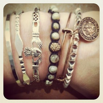 Love this look (and the claddagh bracelet)
