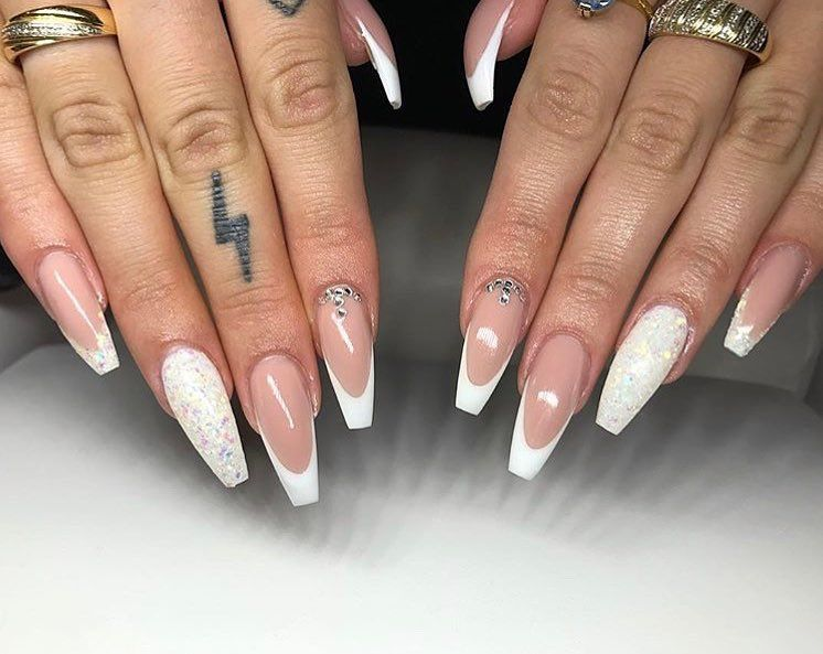 Spanish Nails Models And Photos 2019 Page 23 Of 56 Nail Designs Manicure Blog Sophisticated Nails French Tip Nail Designs Luxury Nails