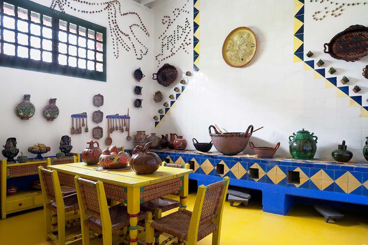 Frida Kahlo S Casa Azul In Coyoacán Mexico Yellowtrace Déco Maison Deco Maison