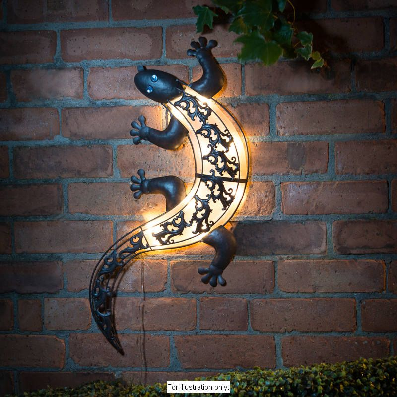 Solar Light Gecko Wall Art