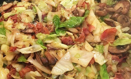 Southern Fried Cabbage with Bacon, Mushrooms, and Onions Recipe #friedcabbagewithbaconandonion Southern Fried Cabbage with Bacon, Mushrooms, and Onions Recipe