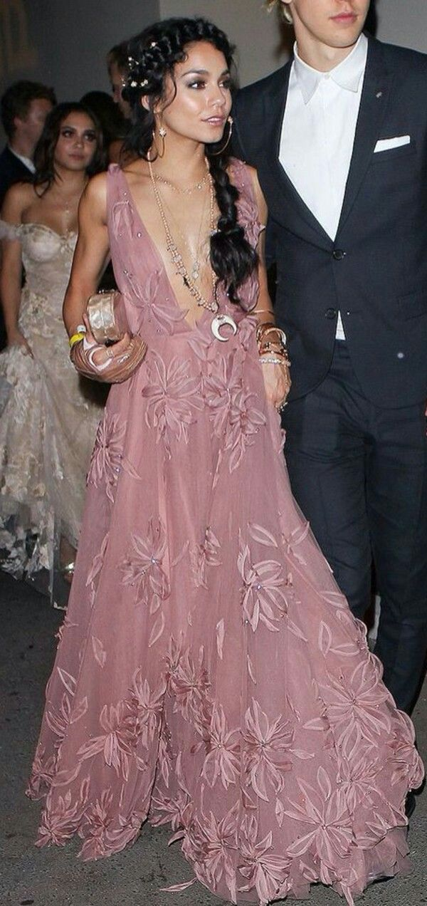 Pin By Mariana Almeida On Prom Pinterest Prom Homecoming And