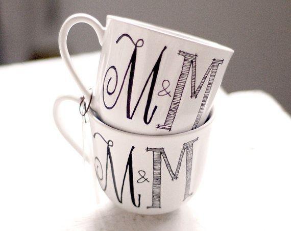 Recuerdos para boda originales - Tazas con monograma - Mas ideas en