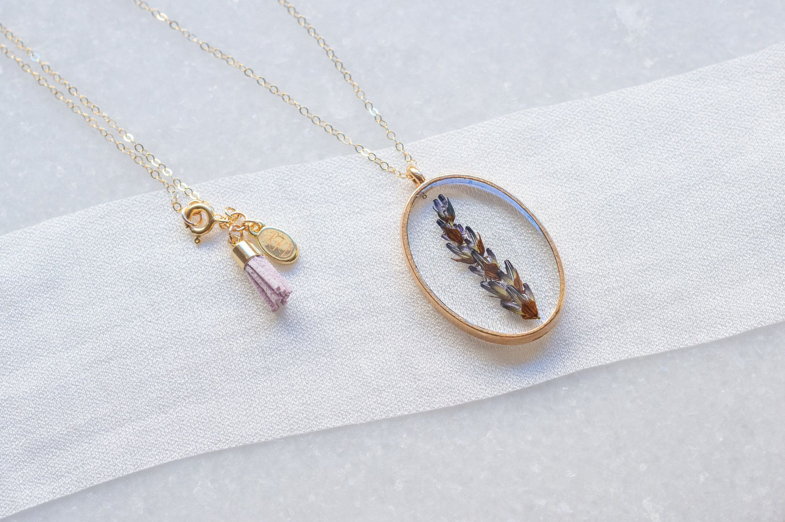 Pressed Flower Lavender Necklace With An Essential Oil Tassel For Lavender Oil By Rachel Keppeler Designs Lavender Necklace Necklace Lavender Essential