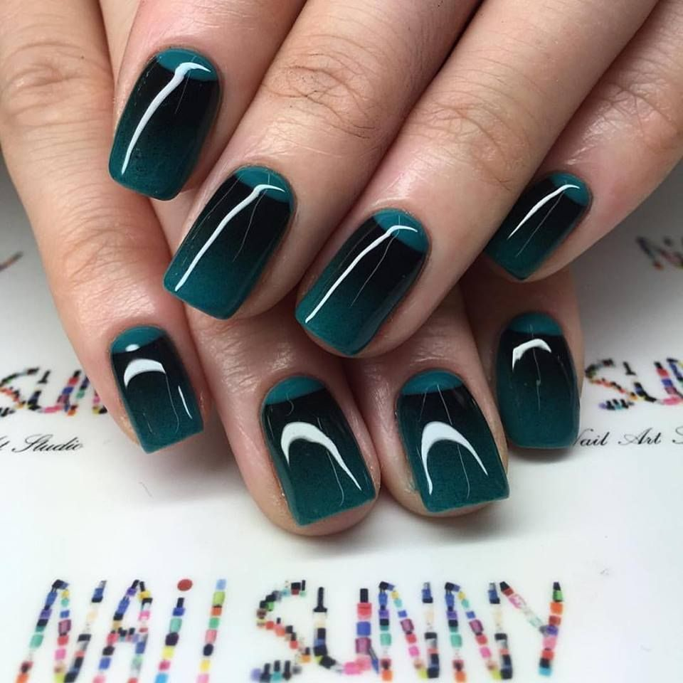 21 Elegant and Trendy Designs For a Stunning French Manicure ...