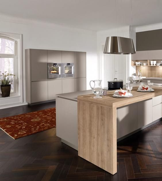 u-form küche Parkett aus Eichenholz und Schrankfronten in Creme - u küchen bilder