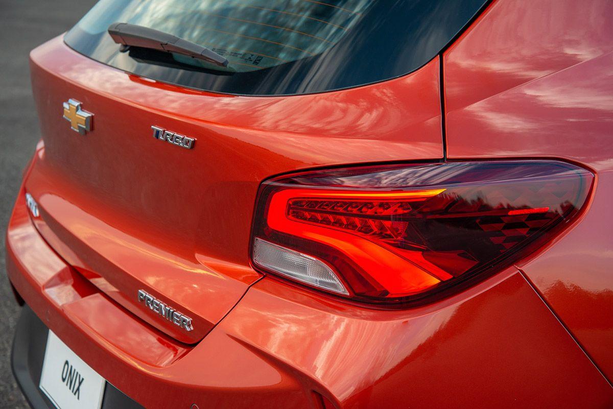Lanzamiento Chevrolet Onix 1 0 Turbo Premier En 2020 General Motors Hatchback Punto Ciego